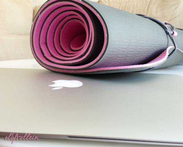 Online-Yoga: Tag 2 oder: Können Stimmengrinsen?