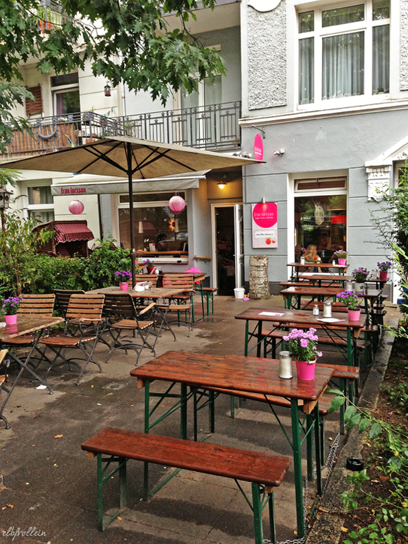 Café Frau Larsson in Winterhude