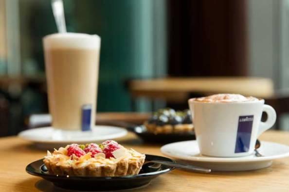THE EATALIAN Kaffee Kuchen